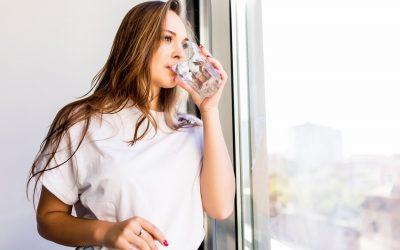 Agua hidrogenada: por qué consumirla en verano